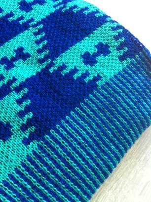 Sky blue scarf detail